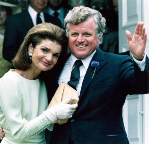 Jacqueline-Bouvier-Kennedy-Onassis
